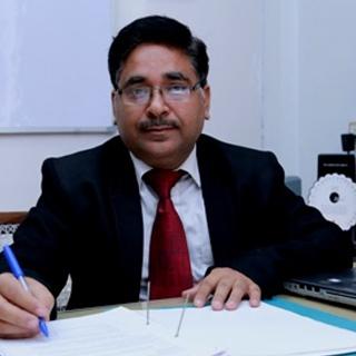 Dr Rakesh Ahuja